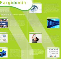 Diseño y Maquetación. Dípticos. A Design, and Advertising project by Irian Benavides Vega - 24-11-2010