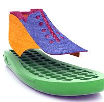 Diseño de zapatilla. A Design, Illustration, Installations, and 3D project by Agustín Conca Gil         - 22.03.2012