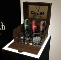 Corners Glenfiddich. Un proyecto de Diseño, Publicidad, Instalaciones y 3D de Javier García García de Iturrospe - 25-09-2012
