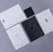 Mejor producto gráfico 2011: invitación para el Cristóbal Balenciaga Museoa. Un proyecto de Diseño y Publicidad de Omán Impresores  - 24-10-2013