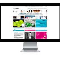 IndraCompany.com - Página oficinal de Indra. Un proyecto de Dirección de arte, Br, ing e Identidad y Diseño Web de César Martín Ibáñez  - 27-04-2014