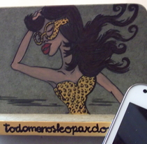Where´s my phone?. Um projeto de Design de personagens e Artesanato de todomenosleopardo®         - 21.05.2014