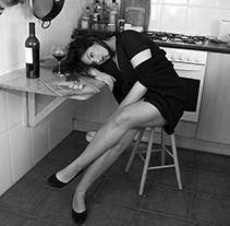 Une femme dans sa maison - Caroline. A Photograph project by Saskia Font - 27-05-2014