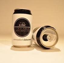 Os voy a dar la lata (para encontrar trabajo). Um projeto de Design, Publicidade, Gestão de design e Packaging de Pablo  Poveda - 10-06-2014