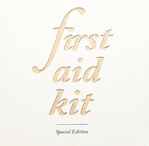 First Aid Kit.. Um projeto de Fotografia e Design editorial de Eli García - 15-07-2014