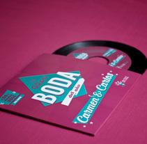 C&C Invitación de boda a 45rpm. Un proyecto de Br, ing e Identidad, Diseño gráfico y Packaging de Brigada Estudio         - 02.12.2014