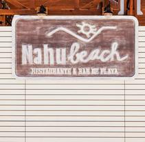 Nahu Beach. Un proyecto de Br, ing e Identidad, Diseño gráfico y Tipografía de Salvartes  Diseño de Identidad y Packaging  - 05-03-2015