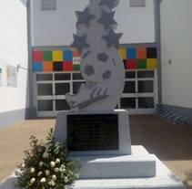 Monolito para los niños fallecidos (Monterrubio). Un proyecto de Escultura de María Bravo Guisado         - 07.05.2015