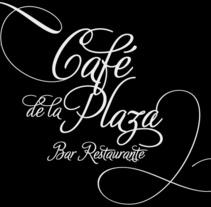 Cafe de la Plaza Logo. Un proyecto de Diseño y Diseño de interiores de Ricardo García Lumbreras - 31-03-2014