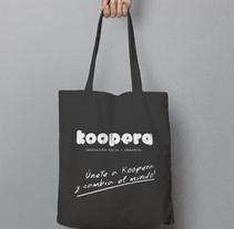 Bolsa publicitaria Koopera. Um projeto de Br, ing e Identidade, Design gráfico, Marketing e Packaging de Alex Goienetxea - 12-02-2015