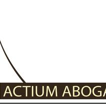 ACTIUM ABOGADOS (Ávila). Un proyecto de Br, ing e Identidad y Diseño gráfico de Sofía Dávila Laborda - 09-01-2013