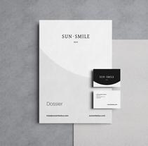 SunSmile Duo. Un proyecto de Dirección de arte, Br, ing e Identidad, Diseño editorial y Diseño gráfico de Jesús Román Ortega - 30-09-2016