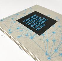 Libro promocional Divisadero. Un proyecto de Diseño editorial y Diseño gráfico de Juan Jareño  - 15-12-2016