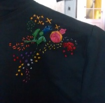 Primer bordado (recuperé un abrigo con manchas de lejía ;-). A Design project by Maria Victoria Pita         - 18.01.2017