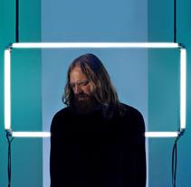 Solomon Grey – Broken Light. Un proyecto de Música, Audio, Fotografía, Cine, vídeo, televisión, Diseño de interiores, Diseño de iluminación y Escenografía de Yarza  Twins  - 11-03-2017