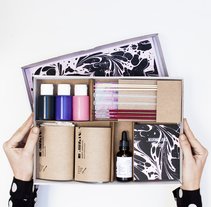 Marbling Kit. A Design, Crafts, and Packaging project by Fábrica de Texturas  - 22-03-2017