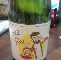Ilustración para etiquetas bebida celebración de particulares. Un proyecto de Ilustración de Mònica  Roca - 24-04-2017
