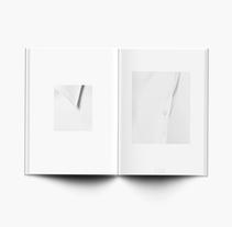 A Shirt is a Cloth Garment for the Upper Body, 2016. Um projeto de Direção de arte, Design editorial e Design gráfico de Esther Miquel         - 02.06.2017