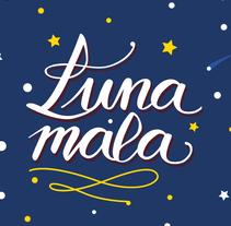 Proyecto final : Los secretos dorados del lettering | Postal lunar. Un proyecto de Caligrafía y Lettering de Antia Otero Couselo - 06-07-2017
