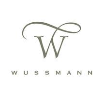 WUSSMANN, identidad de una papelería. Un proyecto de Diseño, Br, ing e Identidad y Caligrafía de Silvia Cordero Vega - 09-09-2017