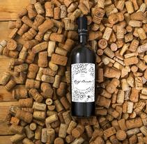 Diseño de etiqueta de vino. Un proyecto de Diseño, Diseño gráfico y Packaging de Elena Barroso Sanz         - 09.08.2016